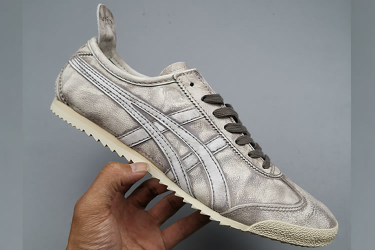 Onitsuka Tiger Mexico 66 DELUXE 1181A066 Carbon Shoes