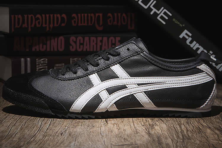 (Black/ White) Onitsuka Tiger Mexico 66 DELUXE Shoes