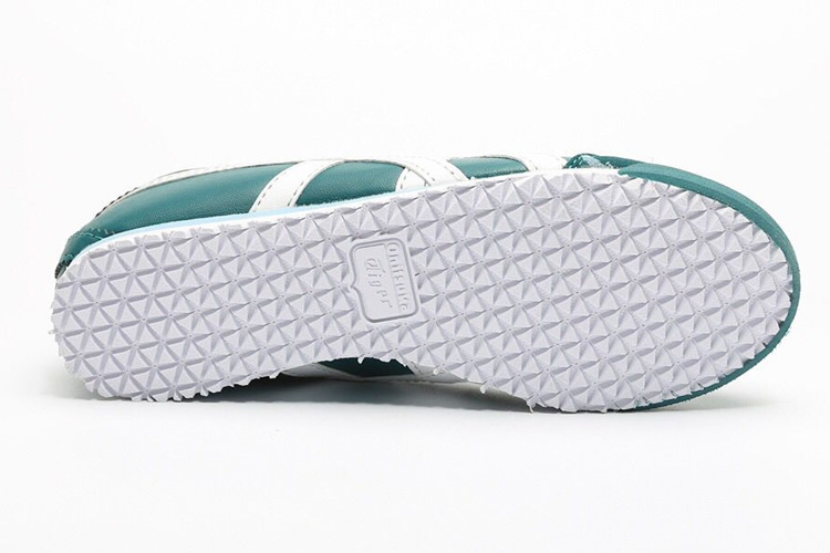 (Green/ White) Mexico 66 PS Big Kid Shoes