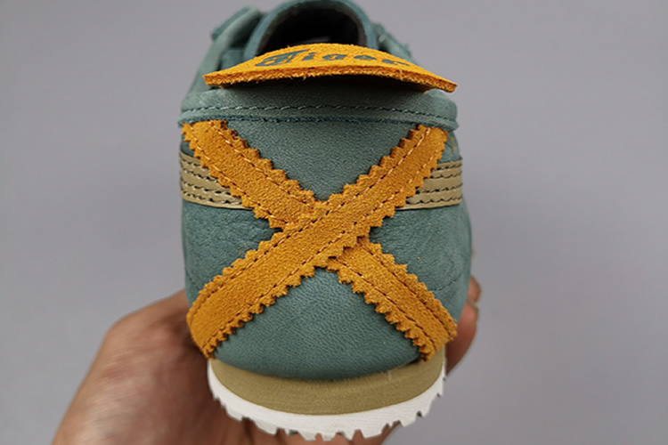 (Hiking Green/ Safari Khaki) Mexico 66 Shoes