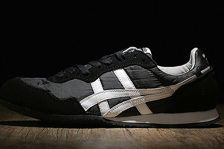 (Black/ White) Onitsuka Tiger Serrano Shoes